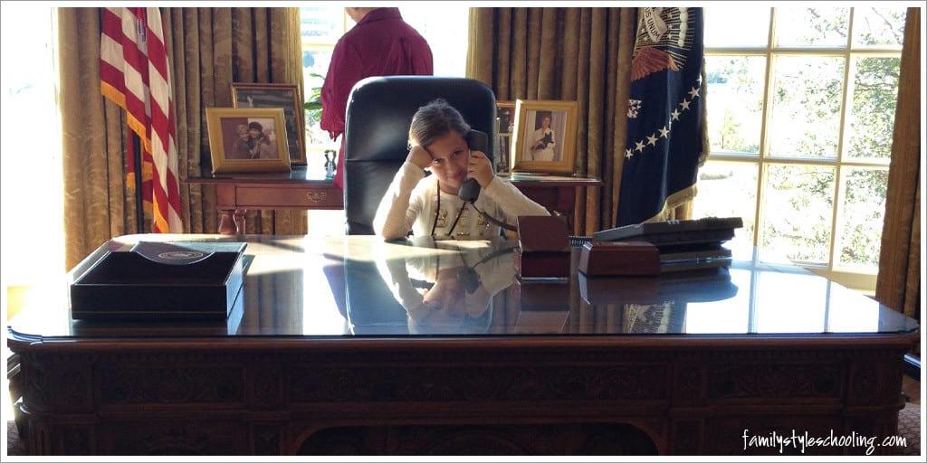 George W Bush Presidential Desk