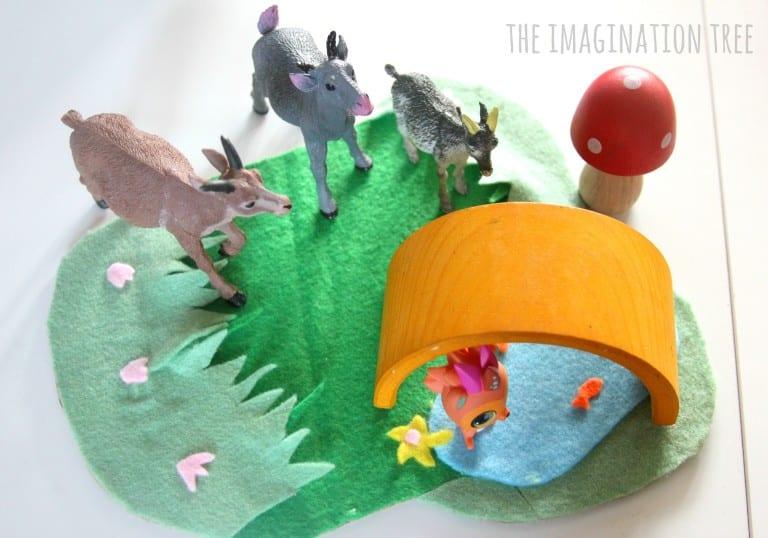 the-three-billy-goats-gruff-storytelling-basket-for-literacy-play-768x538